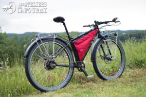 Surly Ogre Rohloff et Son Nice Rack Moloko La Fourmi